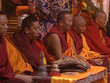 955242728-jokhang-temple-divine-service-tibetan-buddhism-monk