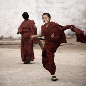 090322_darjeeling_west_bengal_india_ghoom_monastery_boy_children_monks_cricket_bowl_out_celebration_travel_photography_IMG_5528