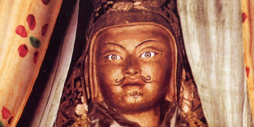 Guru Rinpoche (2)